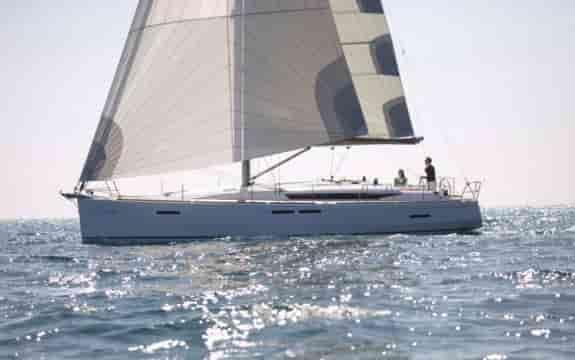 Sailing boat Bahamas 6