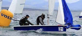 rs 200 sailing dinghy with 2 crew onboard