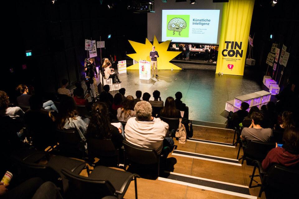 Philipp als Speaker über Künstliche Intelligenz bei der Tincon