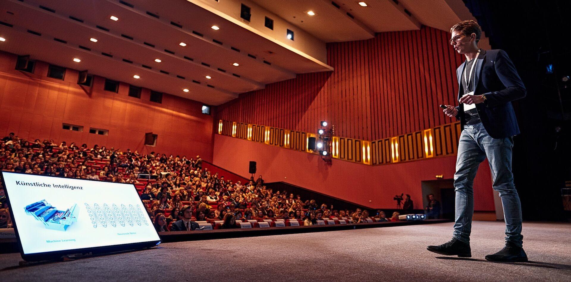 Philipp als Speaker zu Künstlicher Intelligenz beim Goethe Institut in Kiew