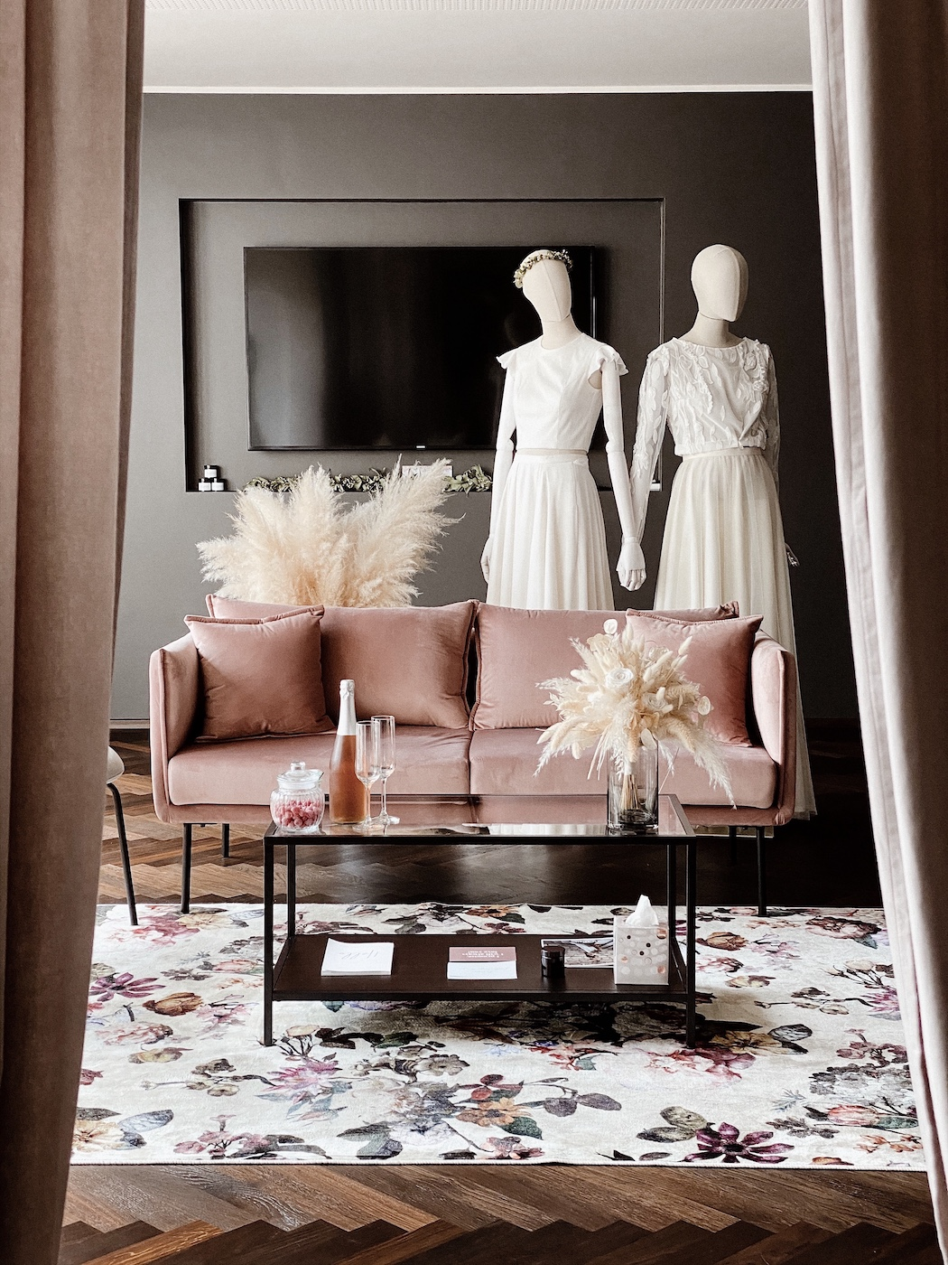 Eve-Bridal | Brautkleider & Accessoires