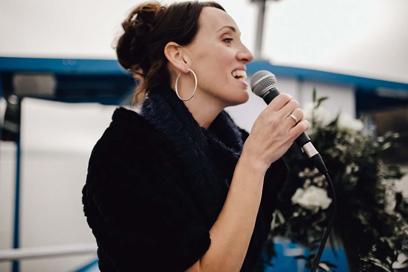 Hochzeitssängerin Barbara Endl-Kapaun