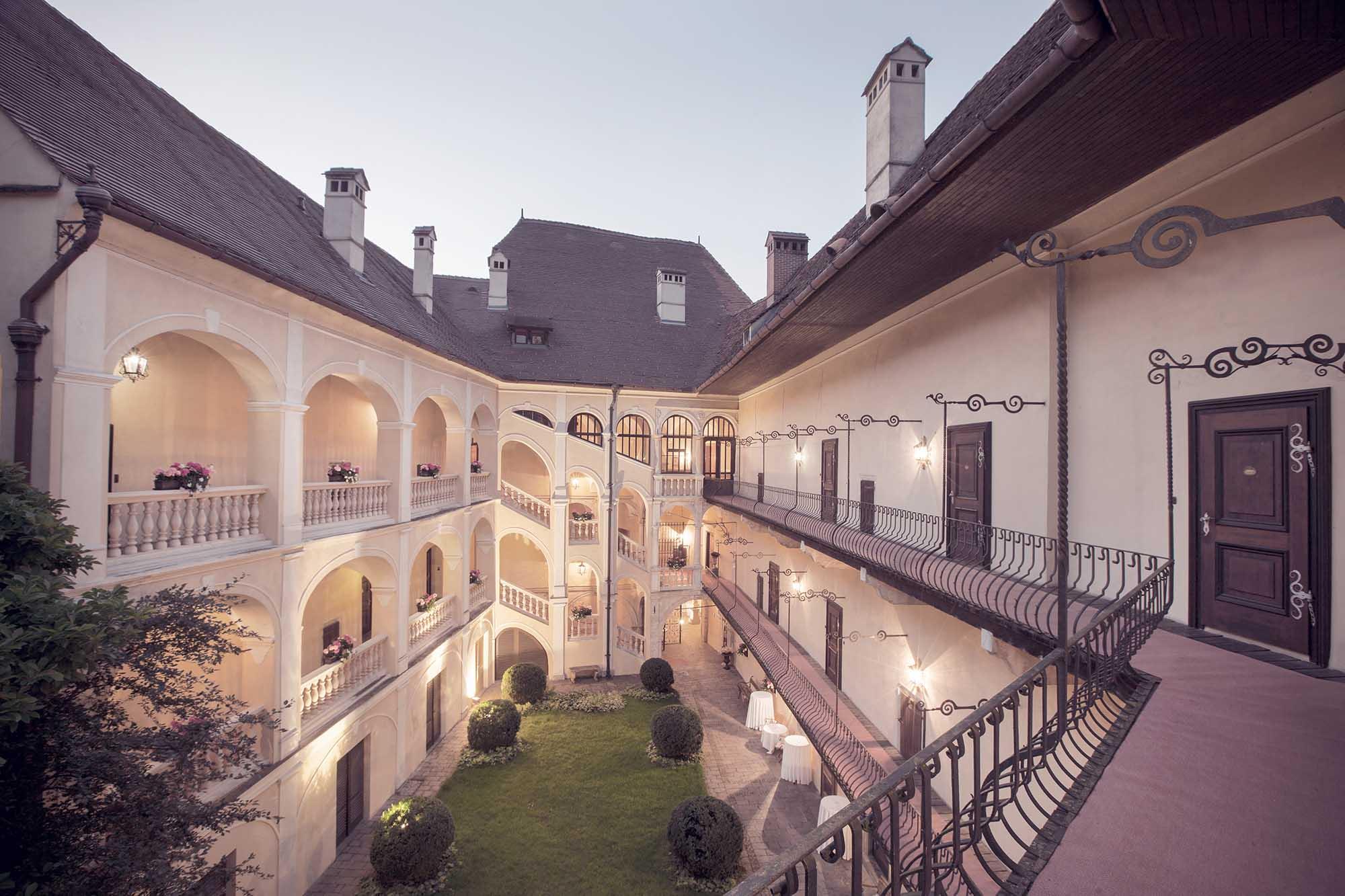 """Hochzeitslocation """"Schloss Obermayerhofen"""""""
