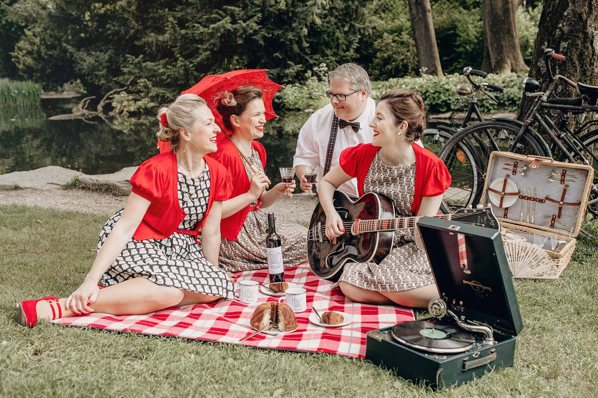 """Hochzeitsband """"Miss Lindy & the Wheels"""""""