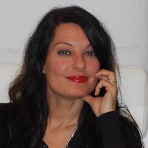 Dr. Adrienne Simone