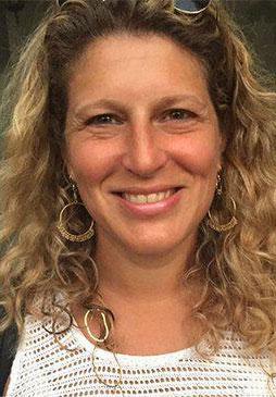 Dr. Stephanie Freilich