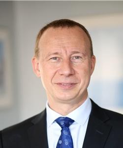 Dr. Konstantin Nikiforov