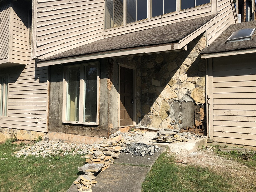 Lawrenceville siding replace front of house
