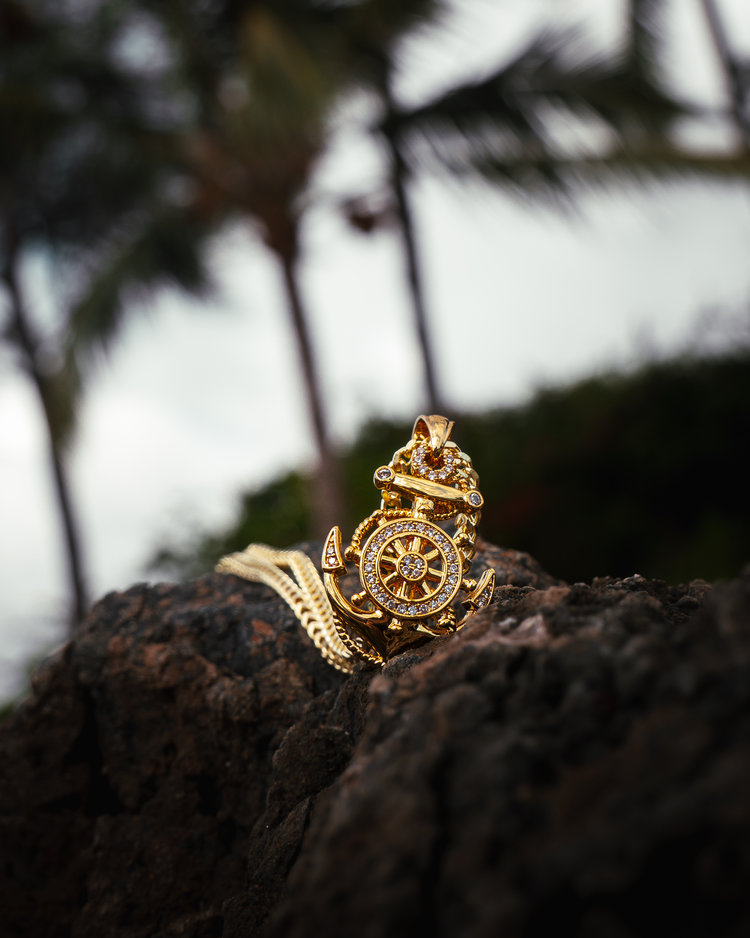 king ice gold anchor necklace in maui, hawaii