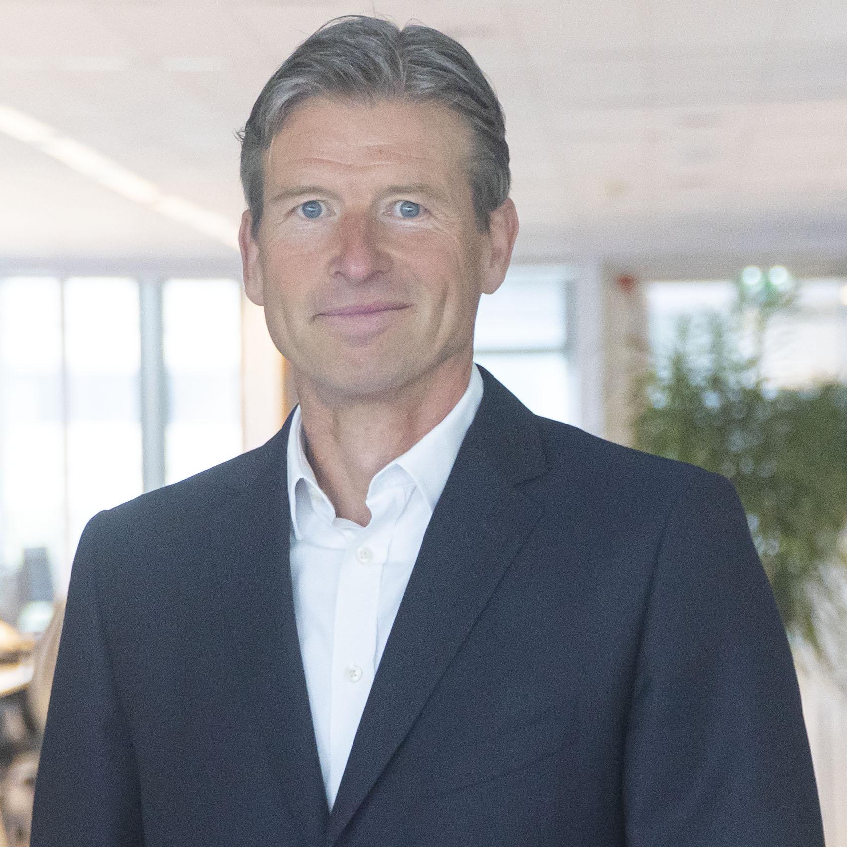 Portretfoto Ron van Overhagen