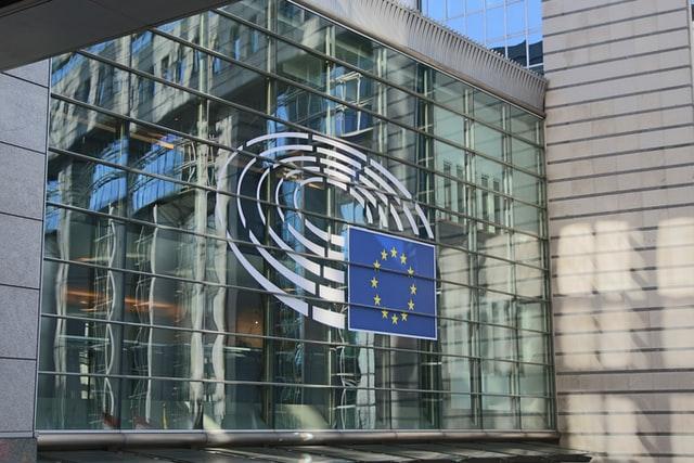 Is verplichte deelname aan een pensioenfonds in strijd met Europees recht?