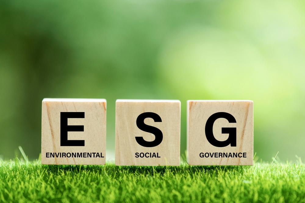 Pensioenfondsen moeten blijven beleggen in olie en gas om invloed uit te oefenen op milieubeleid van fossiele industrie