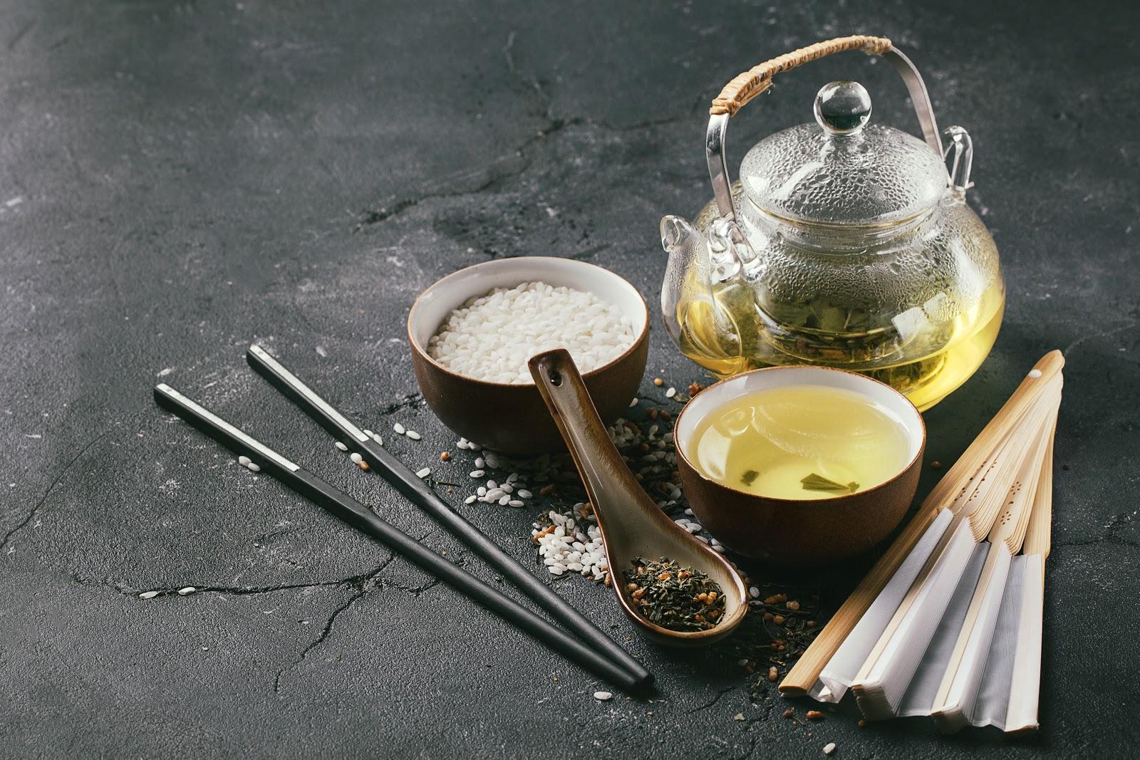 genmaicha tea with white rice