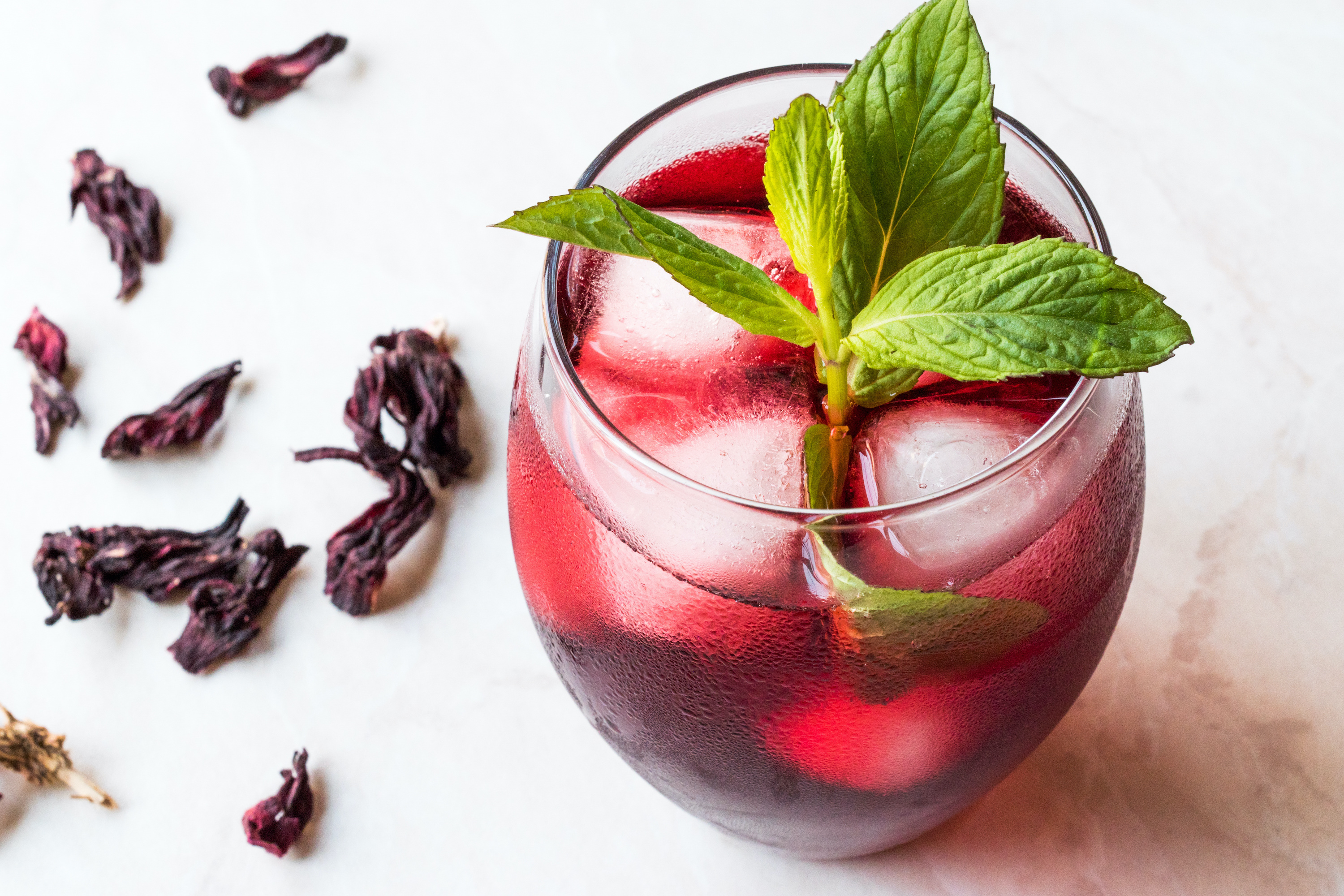 cold brew tea hibiscus