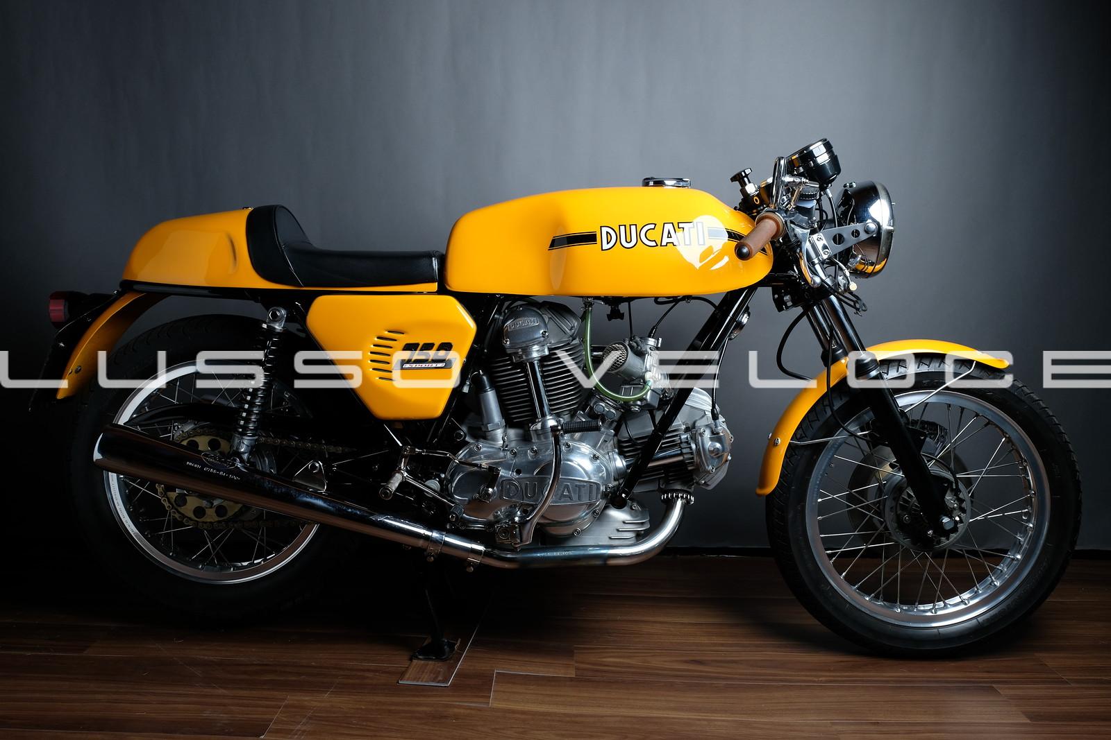 Ducati 750 Sport round case 1973