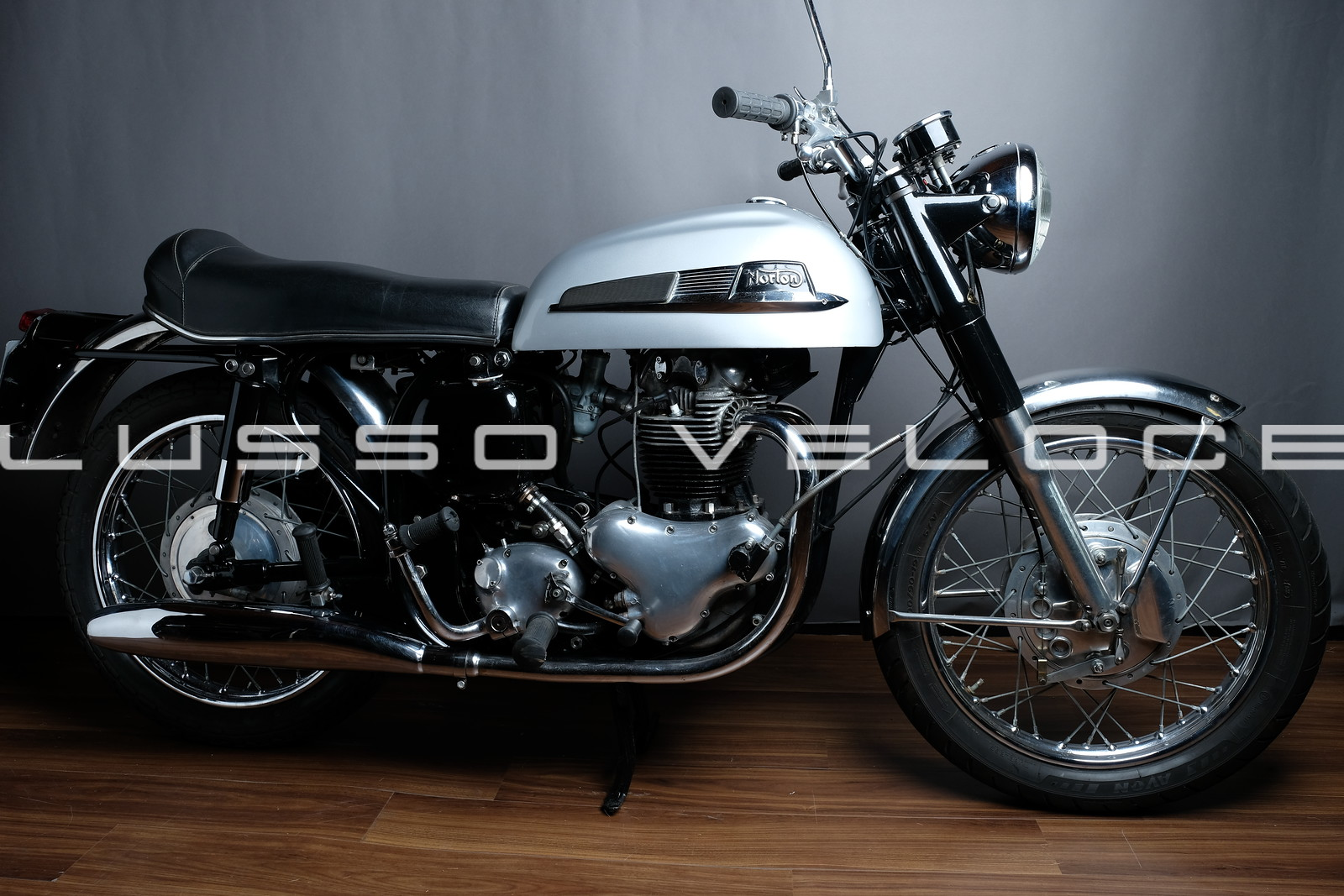 Norton Mercury 650