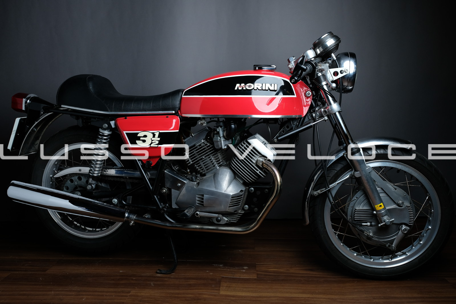 A look at the Morini 350 Sport Double Drum