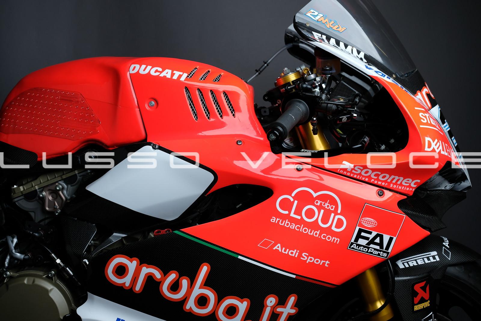 A chance to enjoy factory Rinaldi world superbike up close