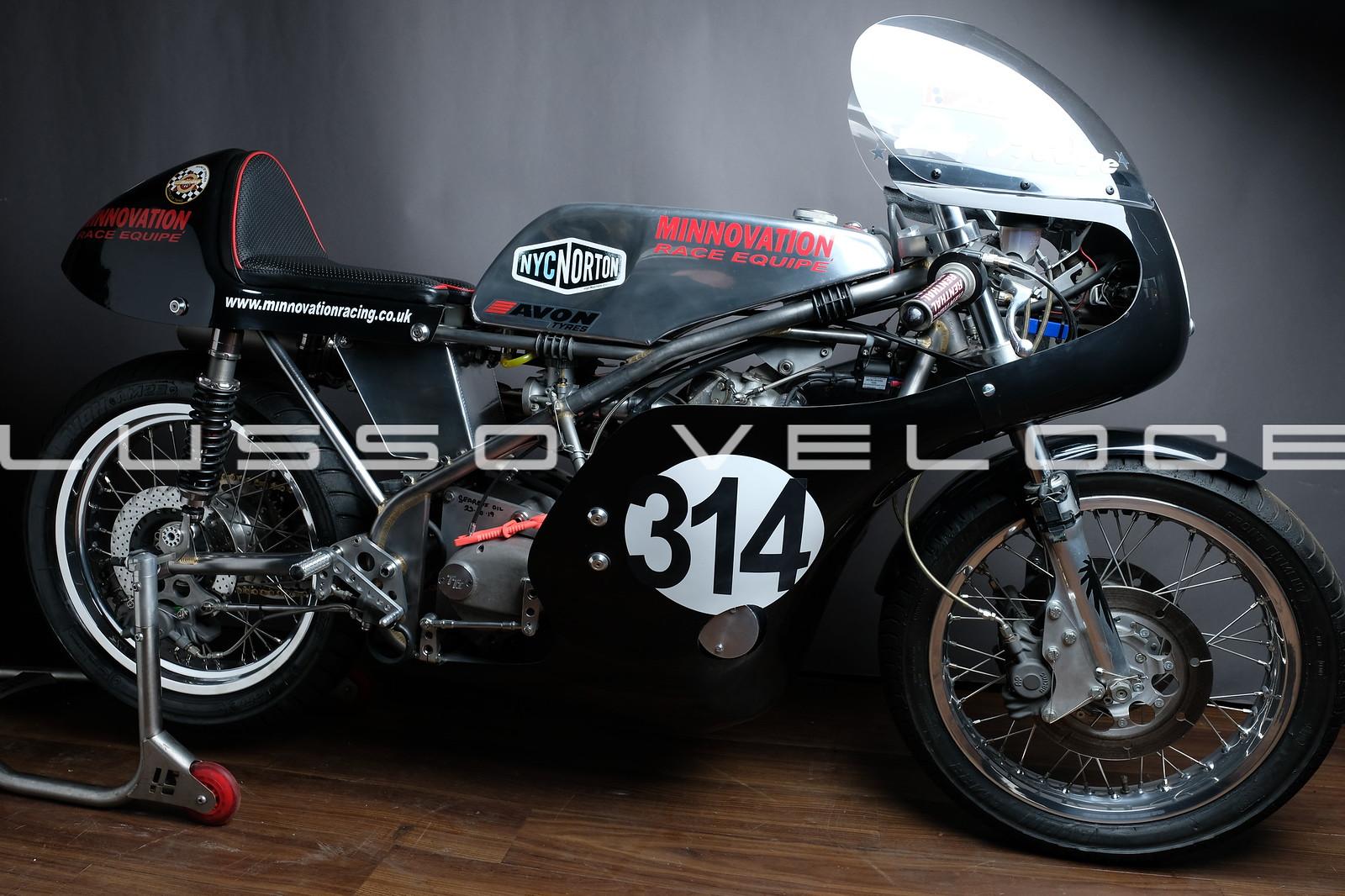 Race Seeley Norton 750 Commando