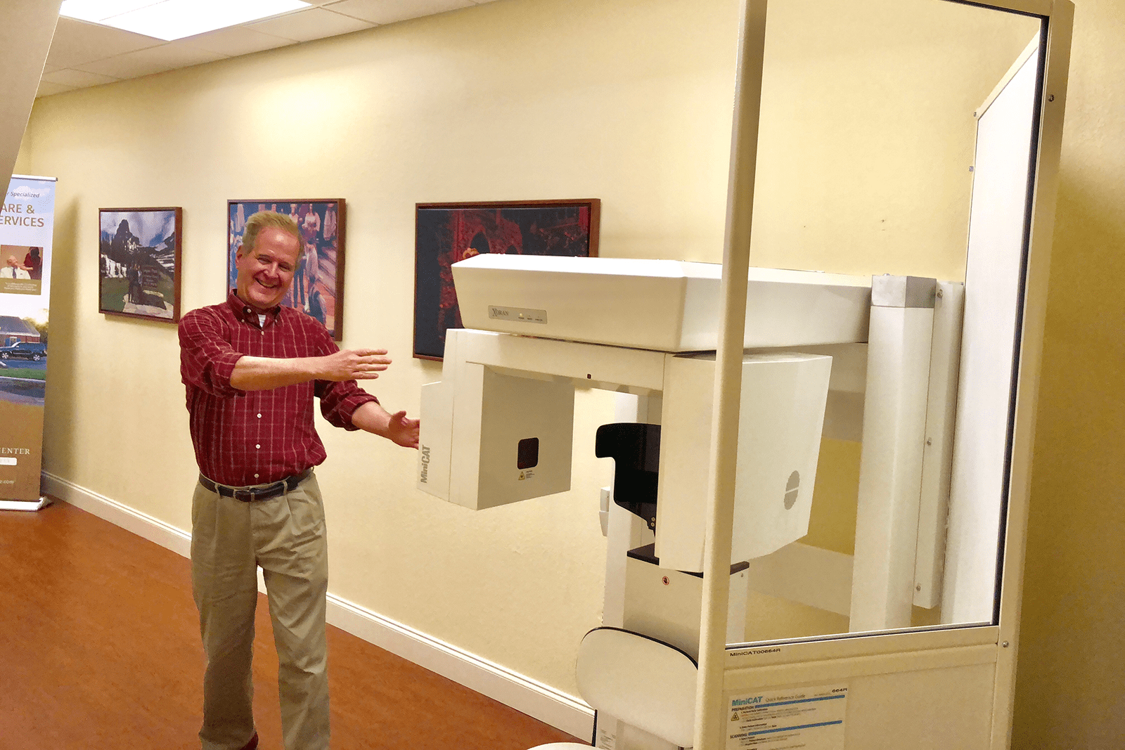 Dr. Michael Riesberg demonstrates his CT Scanner