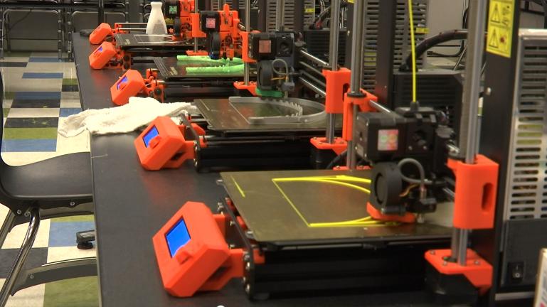 Hamilton County STEM School 3-D printing face protectors for Erlanger