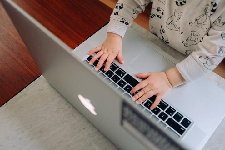 Freelance et parent : comment je m'organise ?