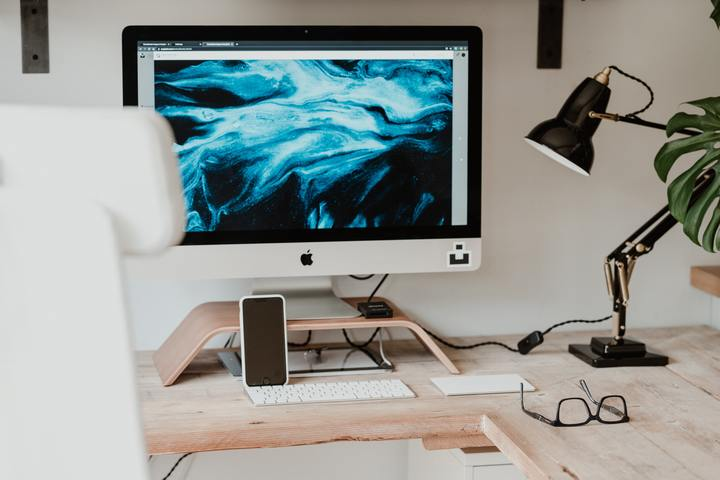 20 idées d'achats pour aménager un bureau de freelance