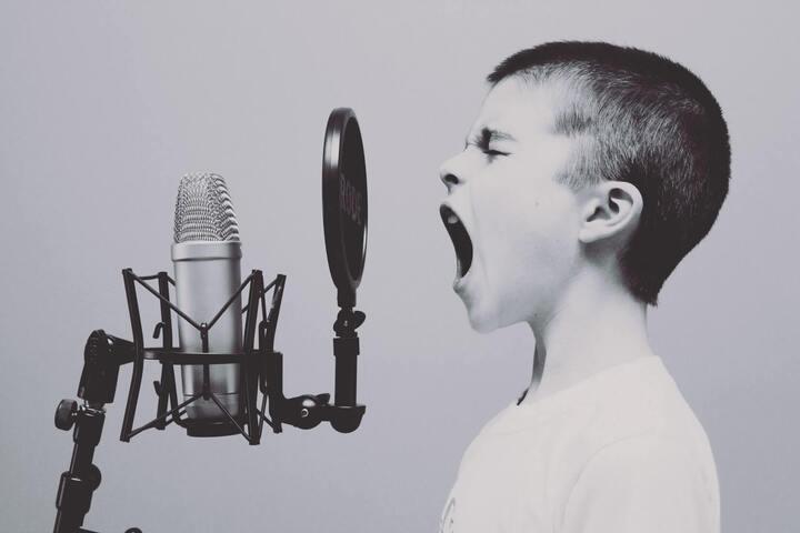 6 étapes pour lancer ton podcast en freelance
