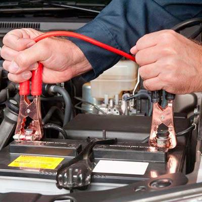 O que fazer quando a bateria do carro descarrega?