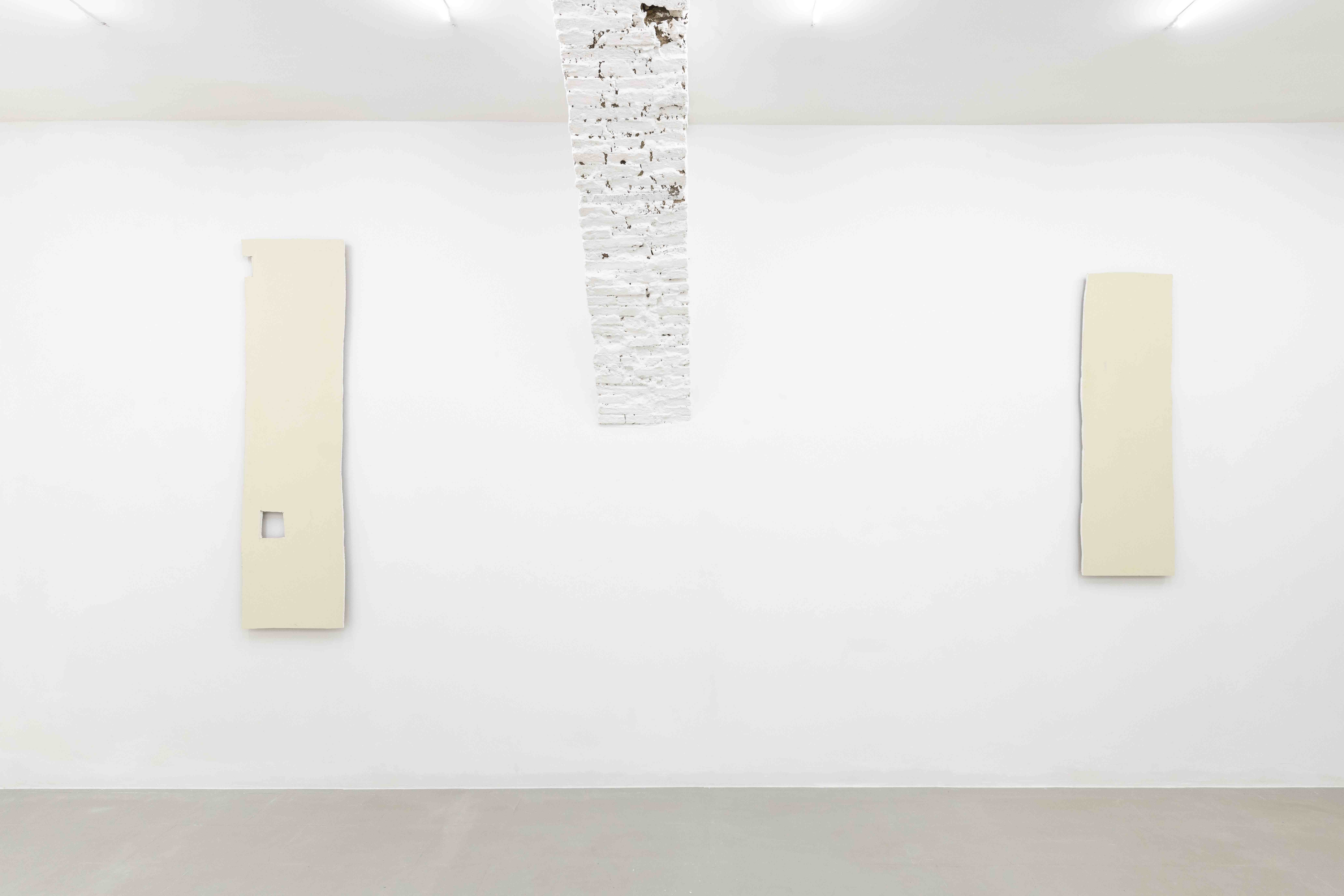 Plamen Dejanoff, 2019, Installation view, Galerie Emanuel Layr Rome, Photo: Giorgio Benni