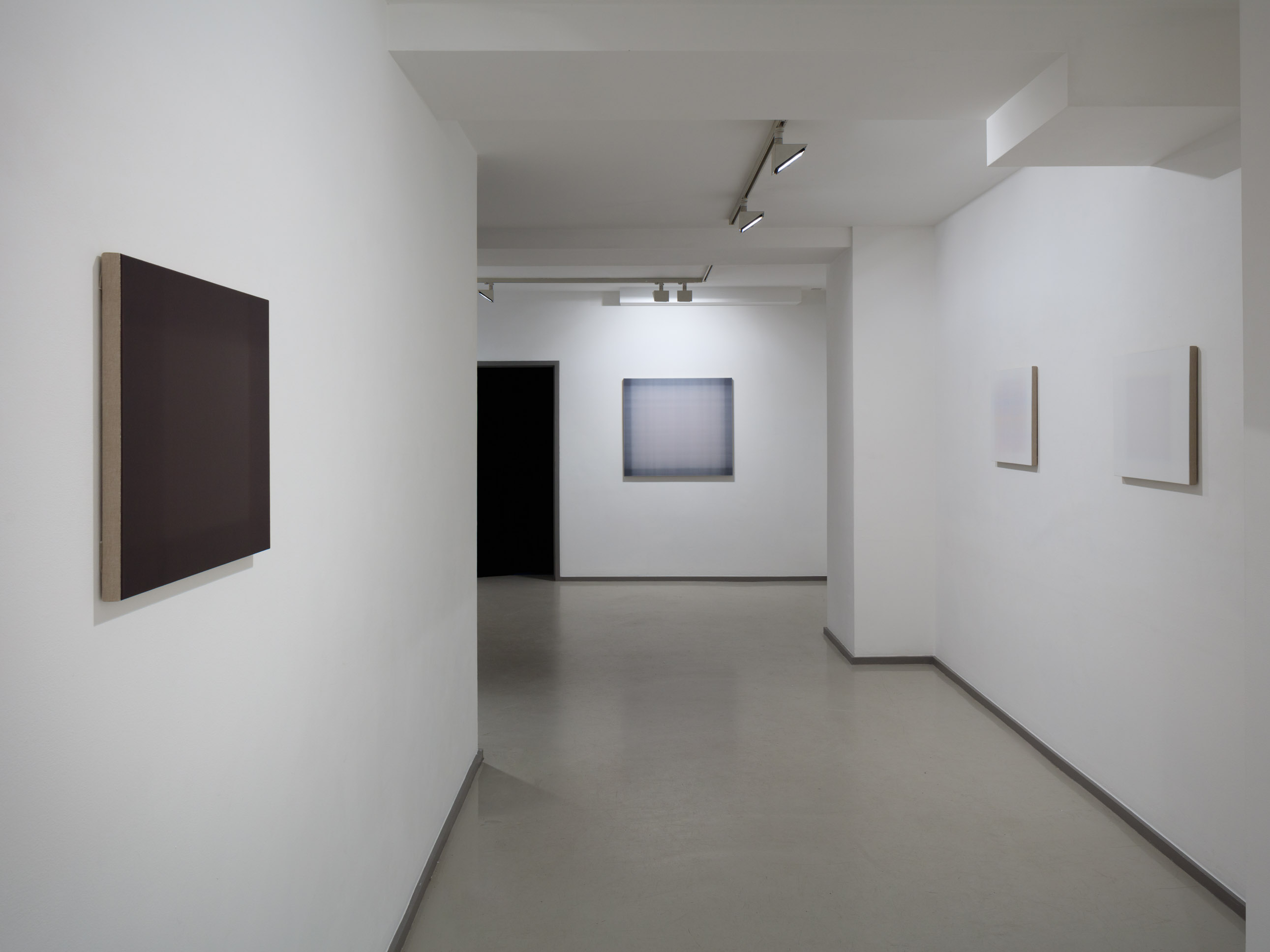Installation view, Tom Chamberlain 'Falling Short' at Laure Genillard, courtesy of Laure Genillard gallery, Image credits: Plastiques