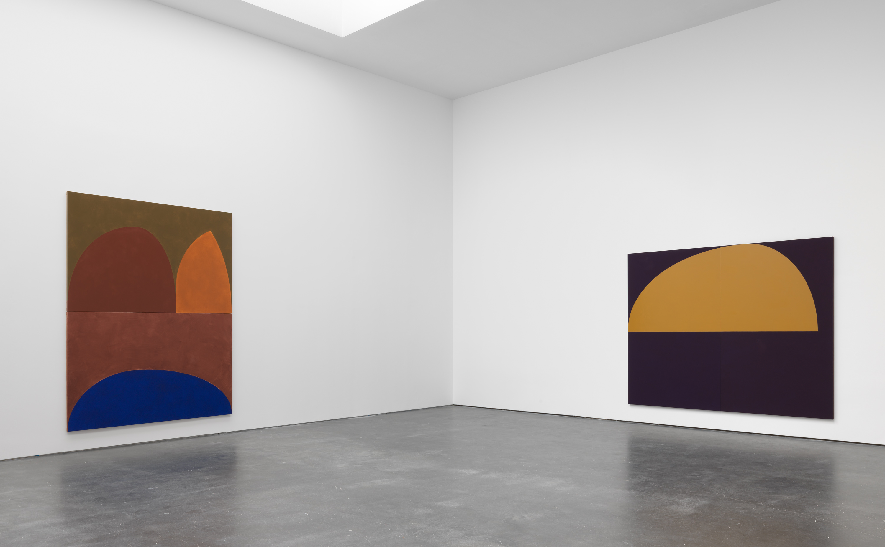 Installation view 1, Suzan Frecon: oil paintings, David Zwirner, New York, 2020 Courtesy David Zwirner