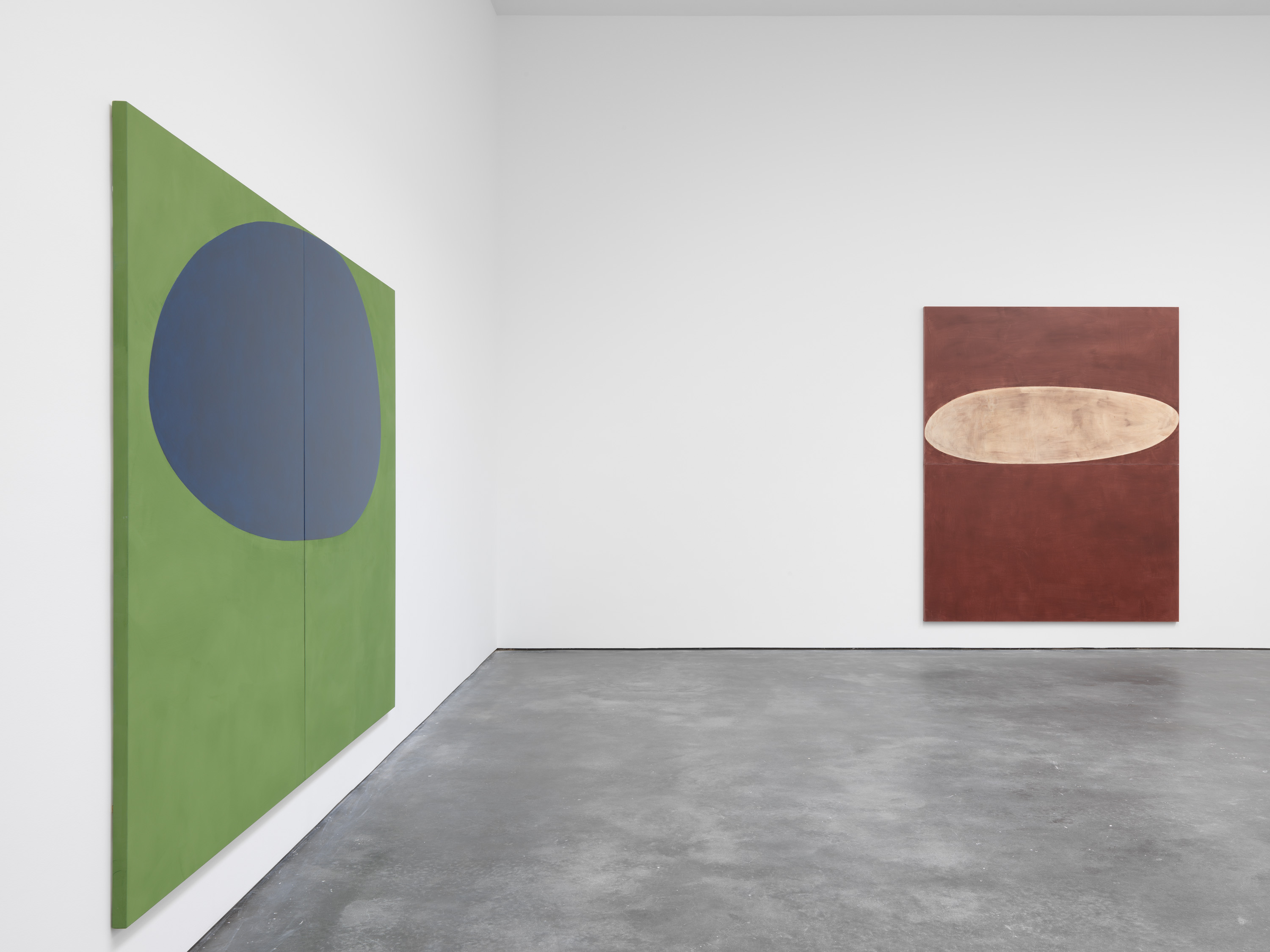 Installation view 5, Suzan Frecon: oil paintings, David Zwirner, New York, 2020 Courtesy David Zwirner
