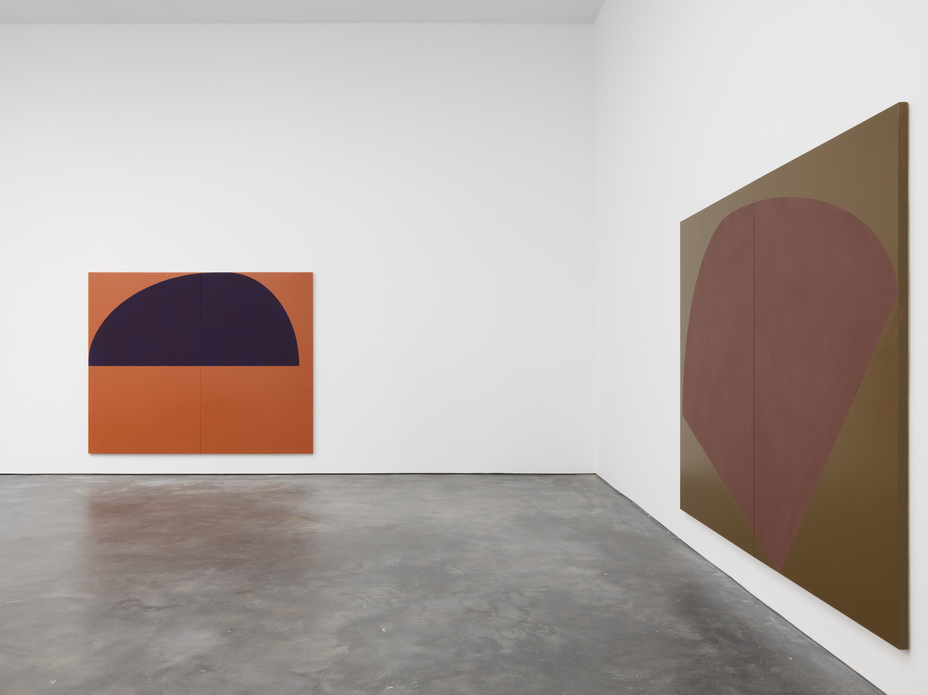 Installation view 4, Suzan Frecon: oil paintings, David Zwirner, New York, 2020 Courtesy David Zwirner