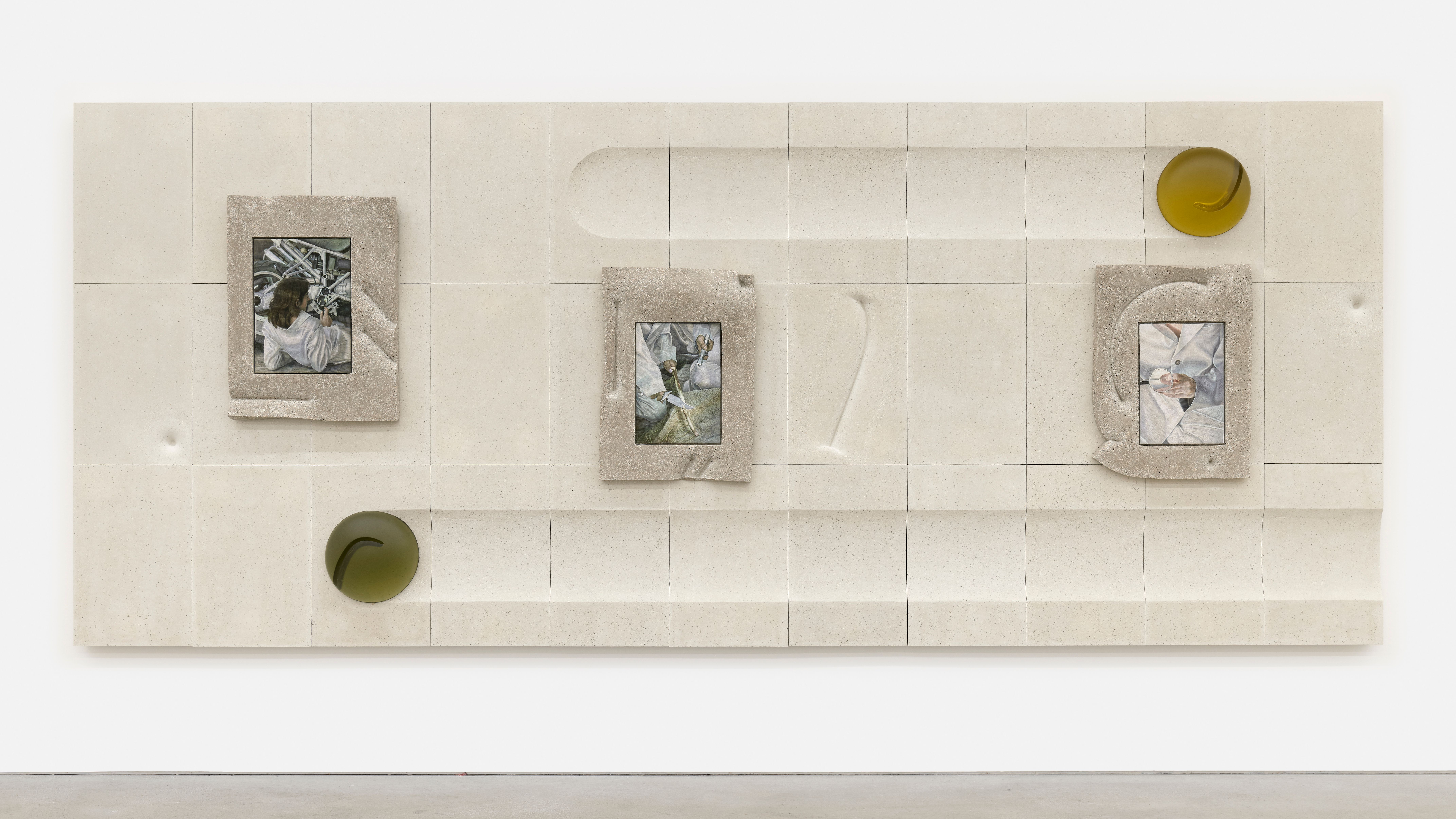 KLÁRA HOSNEDLOVÁ Untitled (from the series Nest) , 2020 cotton thread, terrazzo frame, terrazzo panelling, mould melted glass 201 x 484 x 24 cm 78 3/4 x 190 1/2 x 9 1/2 in unique Photo: def image Courtesy: the artist; Kraupa-Tuskany Zeidler, Berlin
