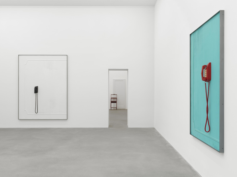 Installation view 3, Martin Boyce: No Longer Fathom, Galerie Eva Presenhuber, Waldmannstrasse, Zurich, 2020 © Martin Boyce Courtesy the artist and Galerie Eva Presenhuber, Zurich / New York Photo: Stefan Altenburger Photography, Zurich