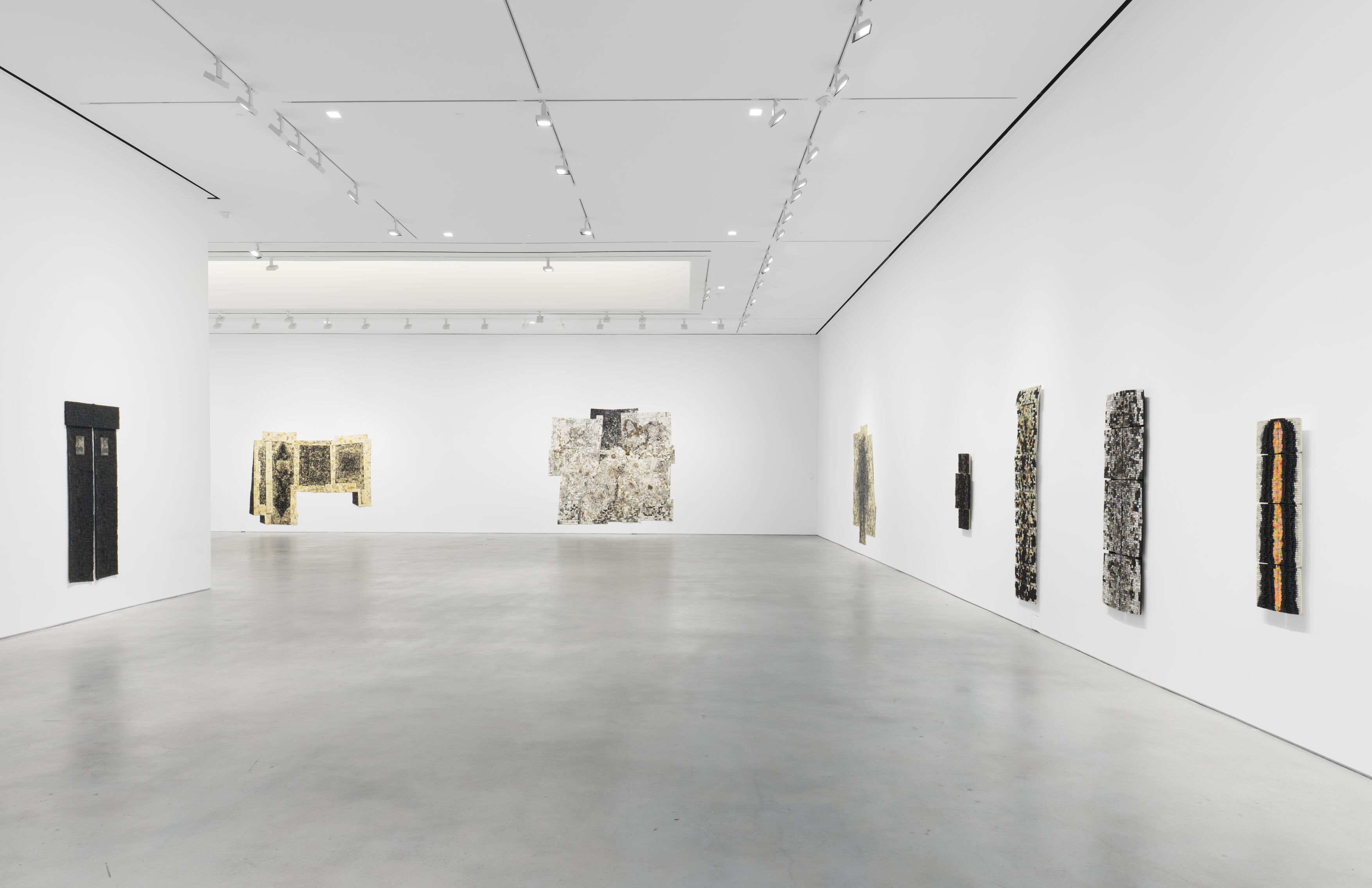 Installation view, 'Jack Whitten. I AM THE OBJECT' Hauser & Wirth New York, 22nd Street, 2020. © Jack Whitten Estate Courtesy the Jack Whitten Estate and Hauser & Wirth Photo: Thomas Barratt