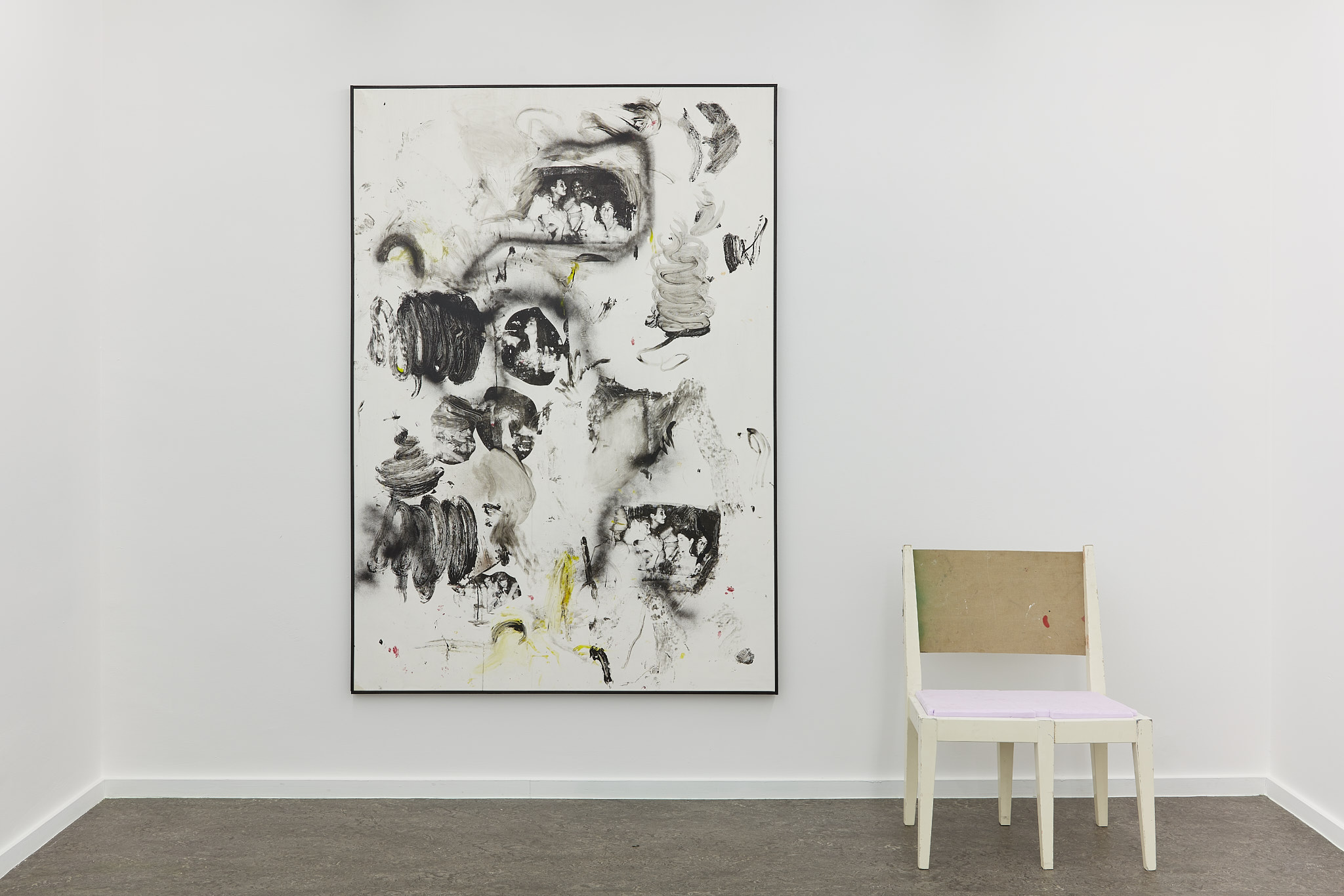 Leo Gabin. Sit with it. Installation View at TICK TACK, 2021