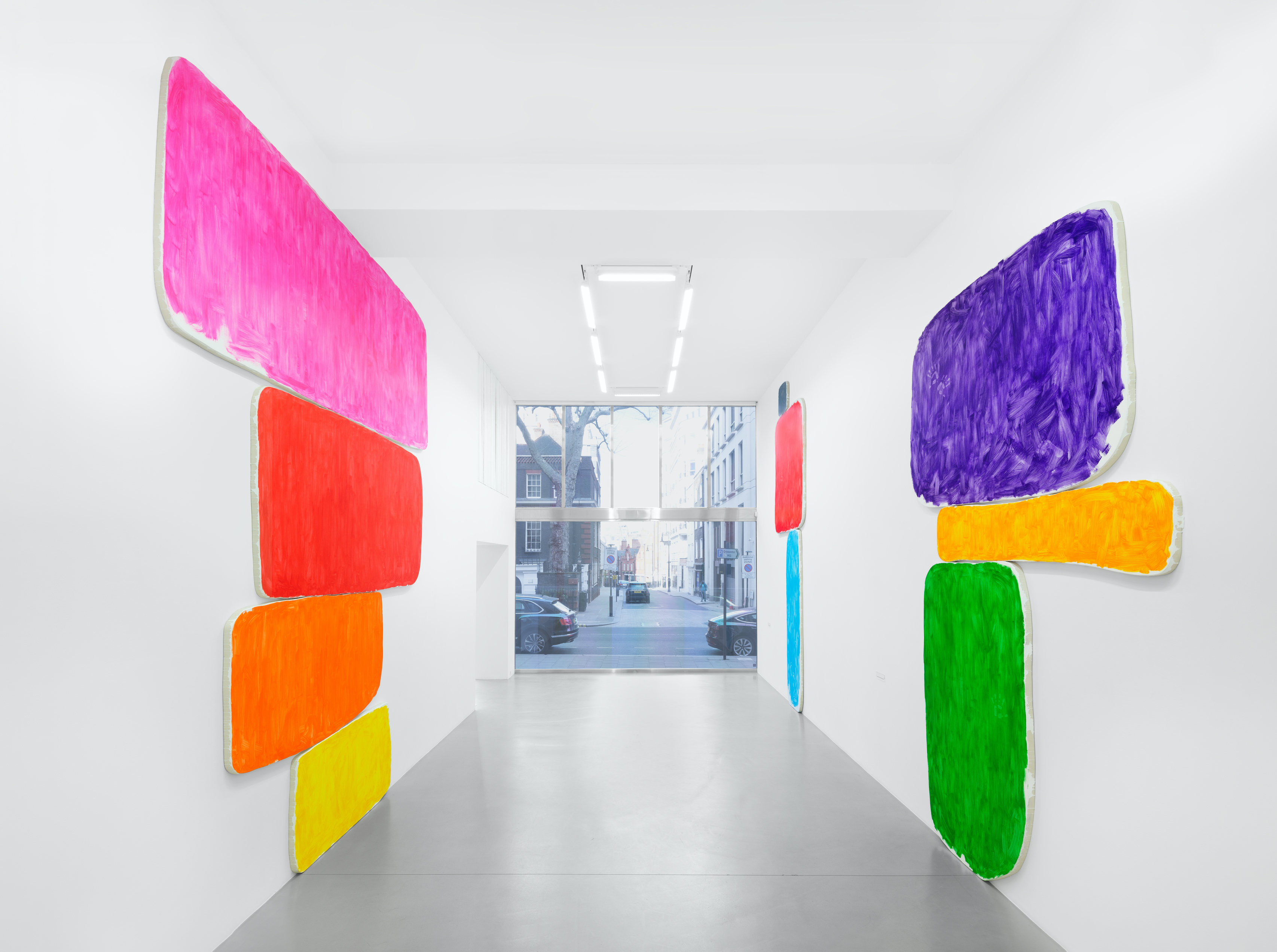 Installation view, Ugo Rondinone, a sky . a sea . distant mountains . horses . spring . at Sadie Coles HQ, 1 Davies Street, London, 12 April - 22 May 2021 Credit: © Ugo Rondinone, courtesy Sadie Coles HQ, London. Photo: Eva Herzog