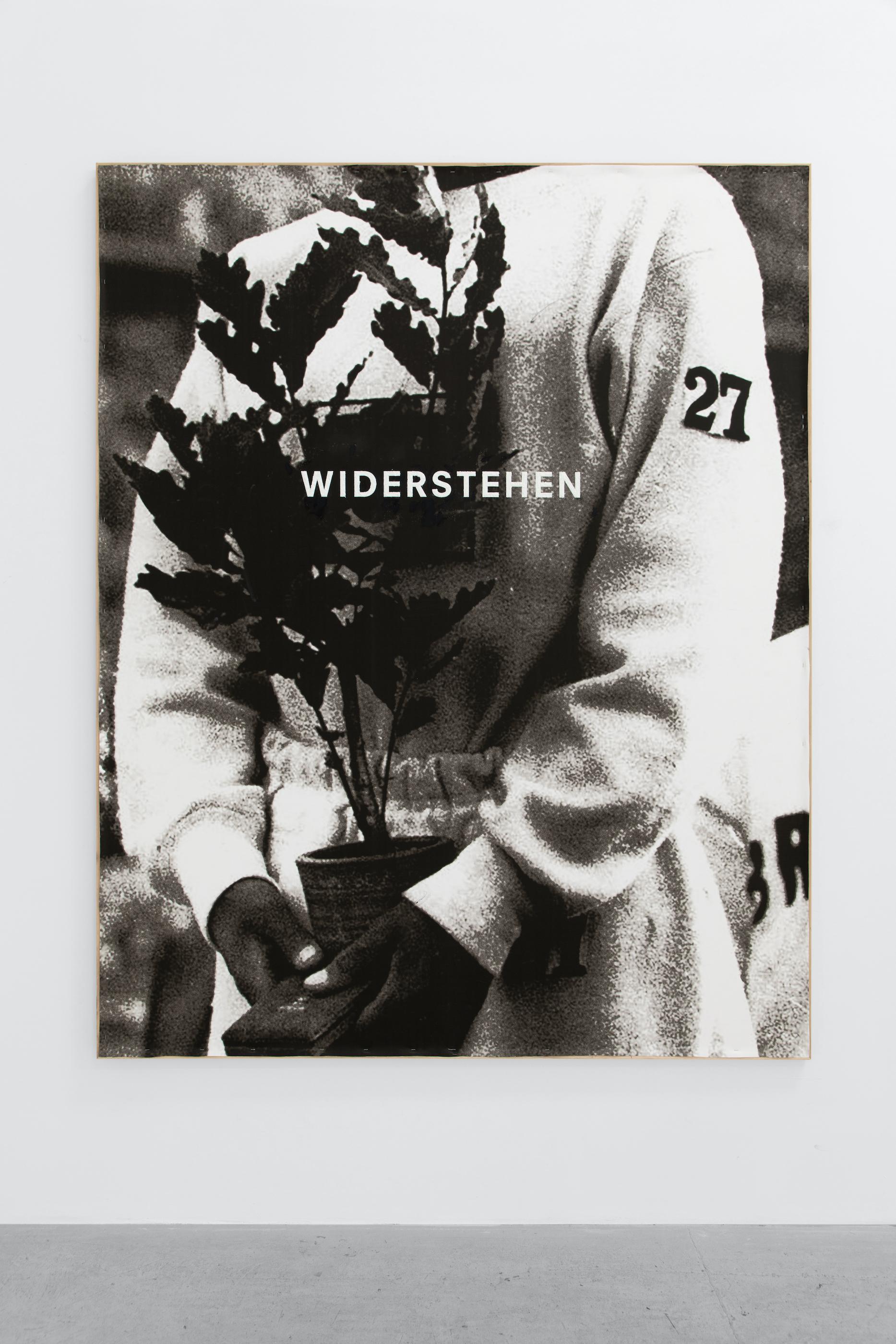 """¿Por qué no son todos así, como yo debiera ser?"" (Why aren't they all like that, as I should be?), solo exhibition by Ian Waelder. Installation view at L21 Son Castelló."