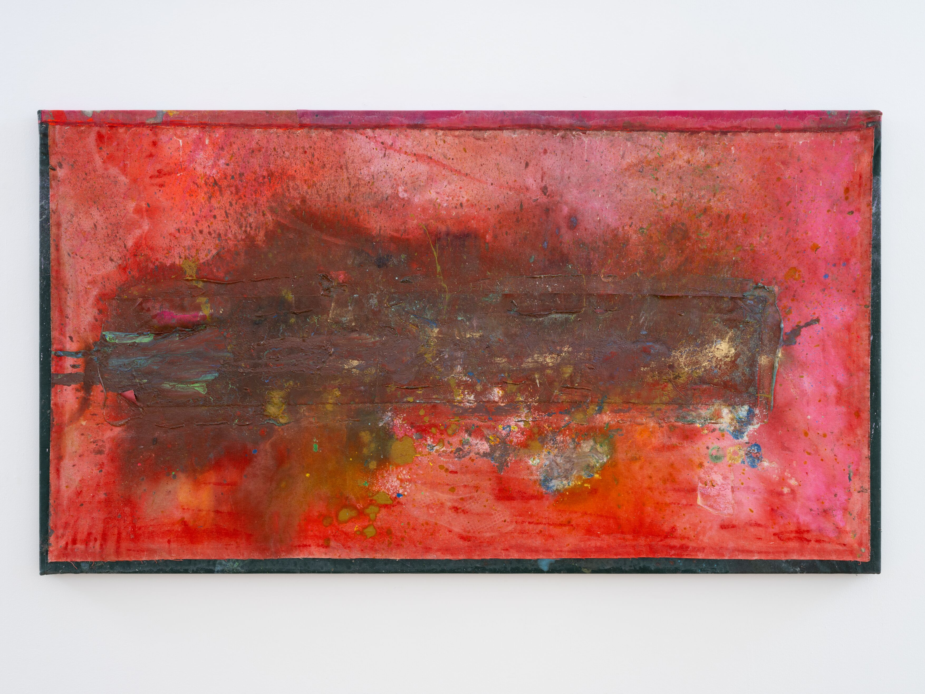 Frank Bowling, Flogging the Dead Donkey 2020 Acrylic and acrylic gel on canvas with marouflage 102.5 x 185.5 x 5 cm, Frank Bowling – London / New York, Hauser & Wirth, 21 May - 31 July 2021.Photo: Alex Delfanne, Courtesy the artist and Hauser & Wirth.
