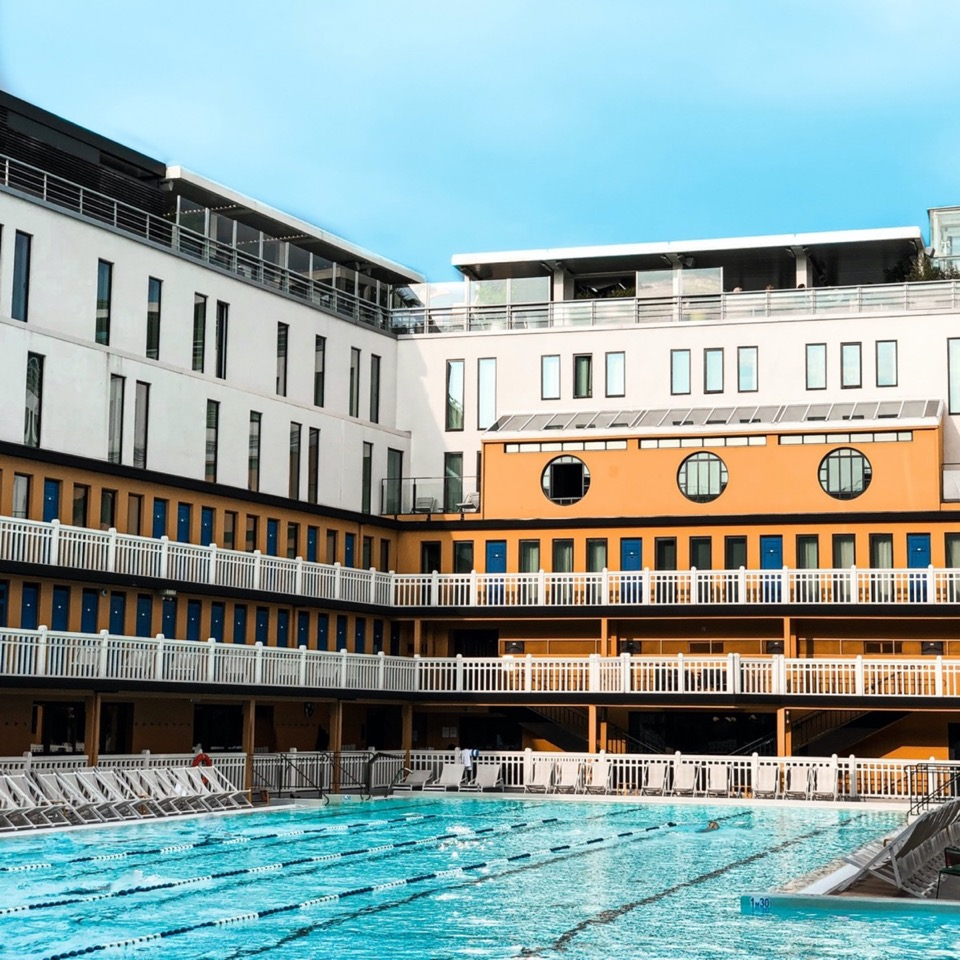 image showing the Molitor hotel and its outside swimming pool