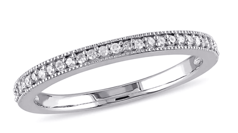 Diamond Vintage-Style Wedding Band