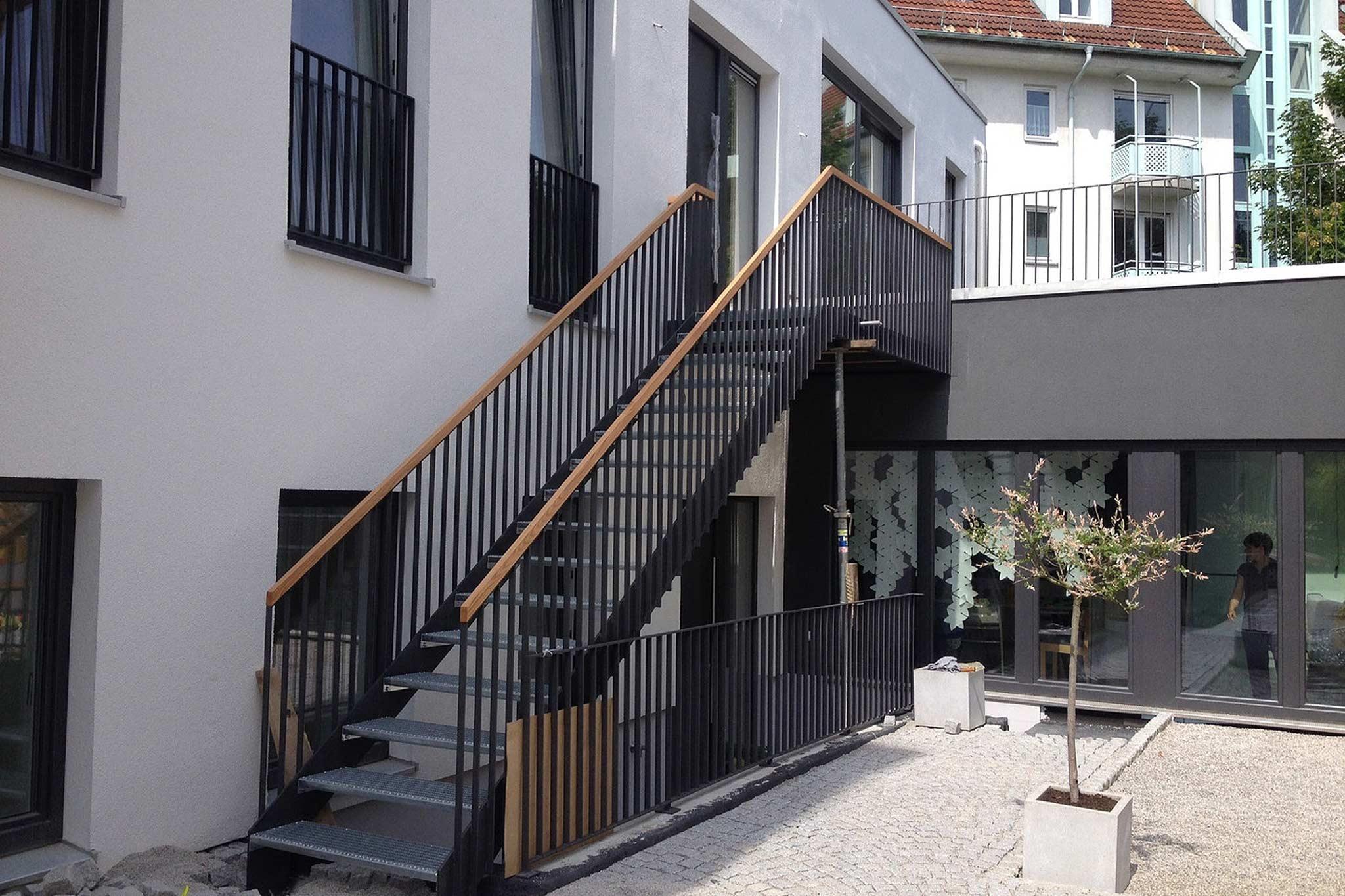 Sarger Architekten: Umbau und Sanierung einer ehemaligen Reinigung in München zu zwei Wohneinheiten