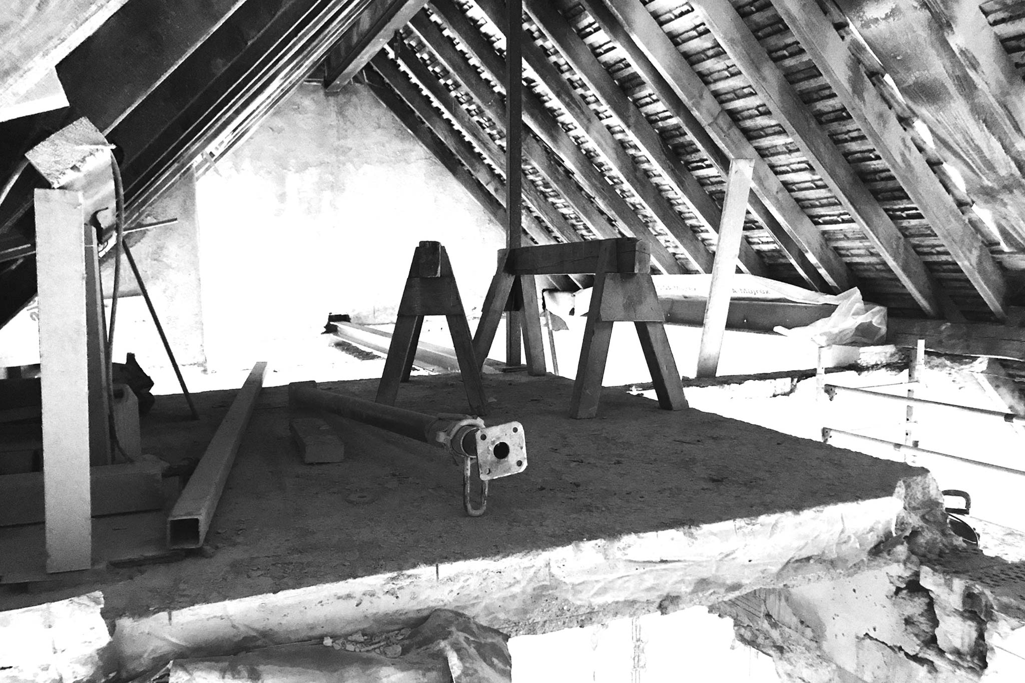 Sarger Architekten: Umbau und Sanierung eines vorhandenen Dachgeschosses in München. Zusammenlegung von zwei Wohneinheiten zu einer Wohneinheit