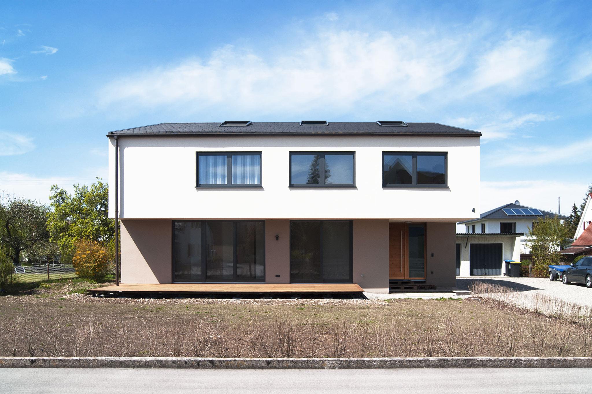 Sarger Architekten: Abbruch und Neubau eines Einfamilienhauses in Kaufering bei Landsberg am Lech