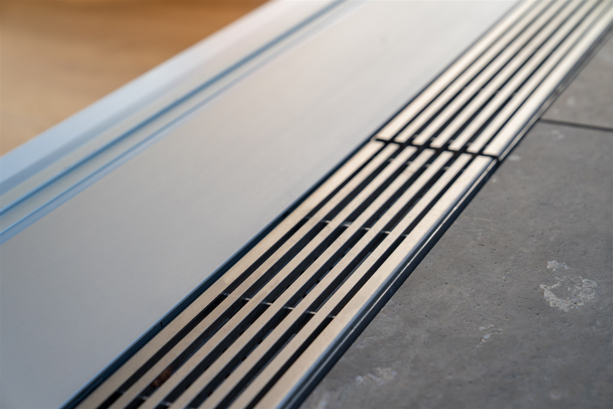 Sarger Architekten: Energetische Sanierung eines mehrgeschossigen Wohngebäudes mit 35 Wohneinheiten in München. Umbau und Sanierung einer vorhandenen Penthouse Wohnung sowie Dachgeschossausbau eines vorhandenen Speichers zu einer Wohneinheit
