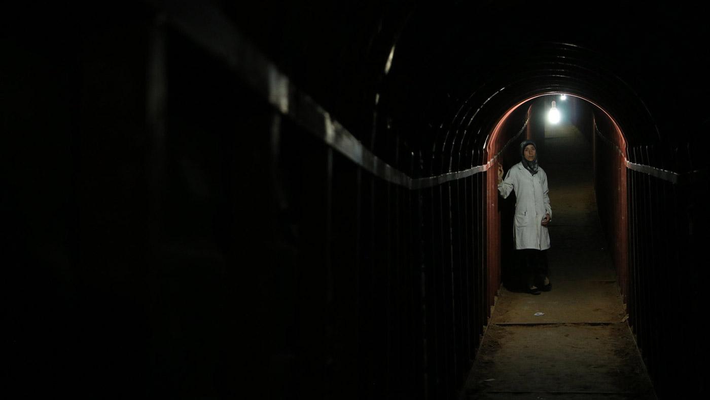 Still fra filmen 'The Cave'.