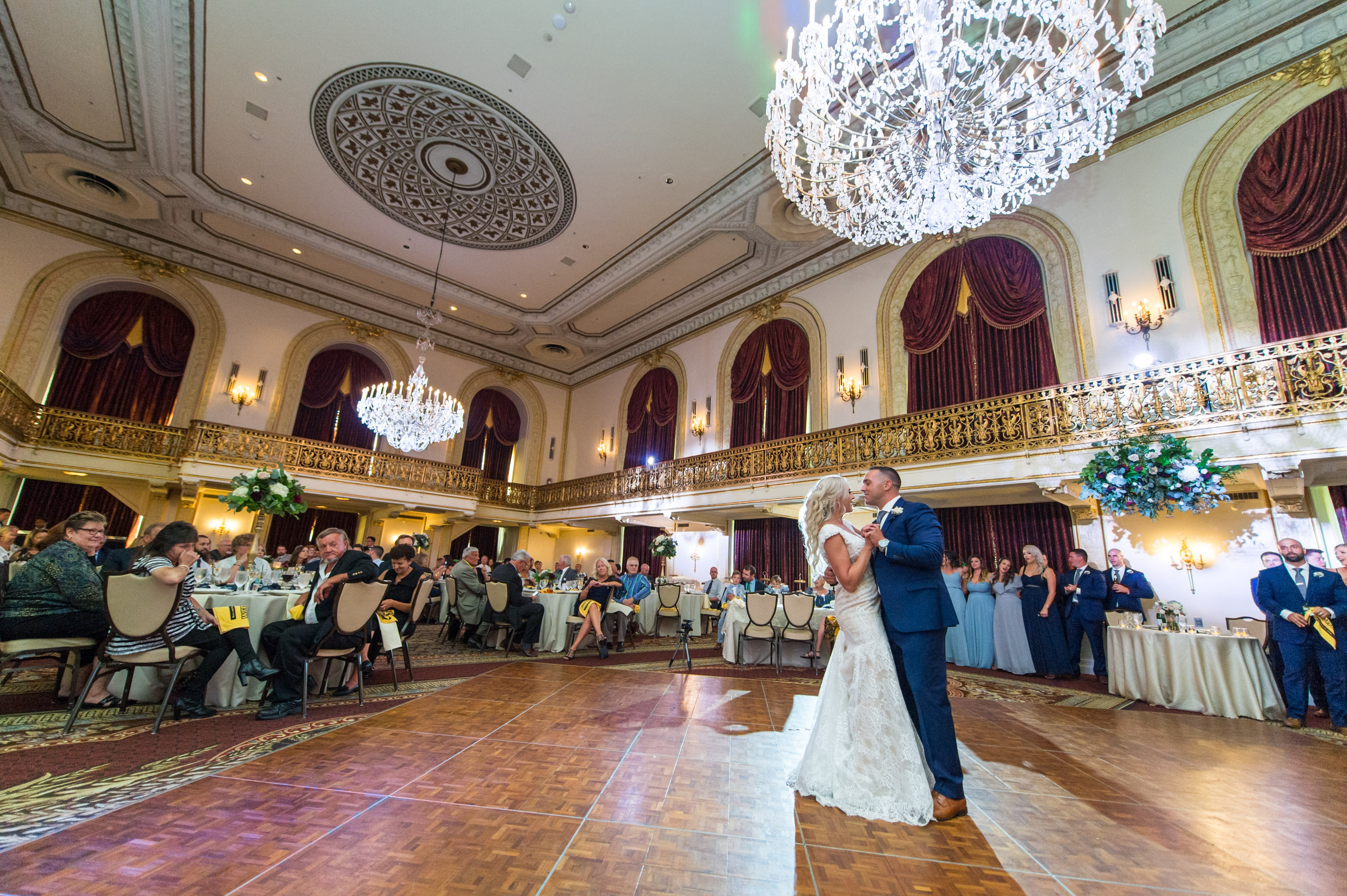 Pittsburgh Wedding Photographer Omni William Penn First Dance