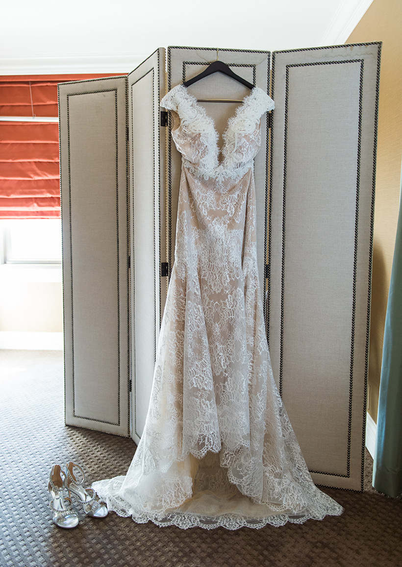 Pittsburgh Wedding Photographer Omni William Penn Dress
